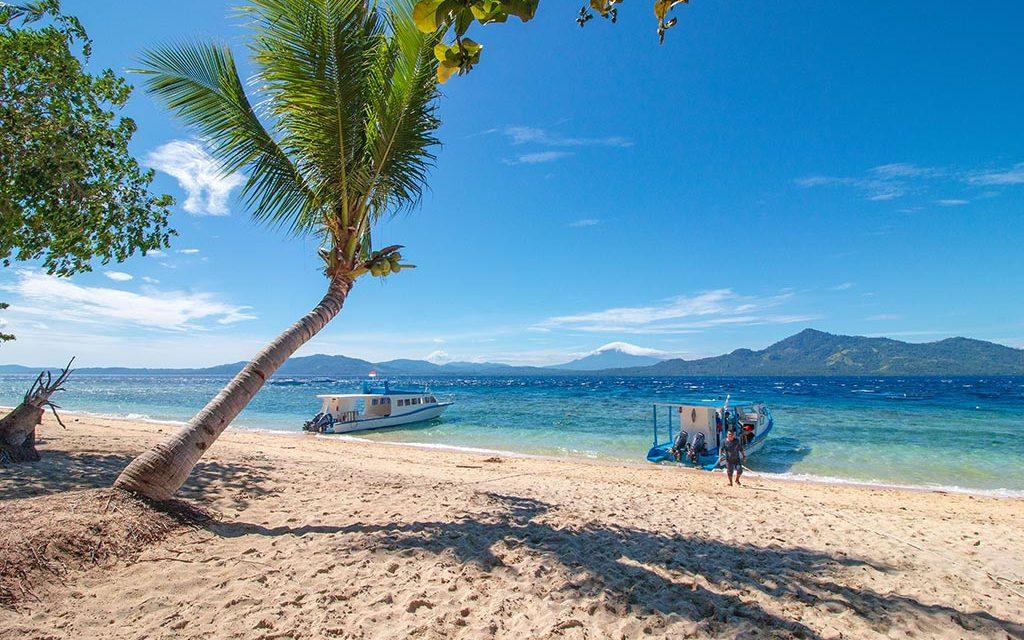 https://as-tauchreisen.de/wp-content/uploads/01-celebes-divers-siladen-island-nordsulawesi-indonesien-tauchbasis-1024x640.jpg
