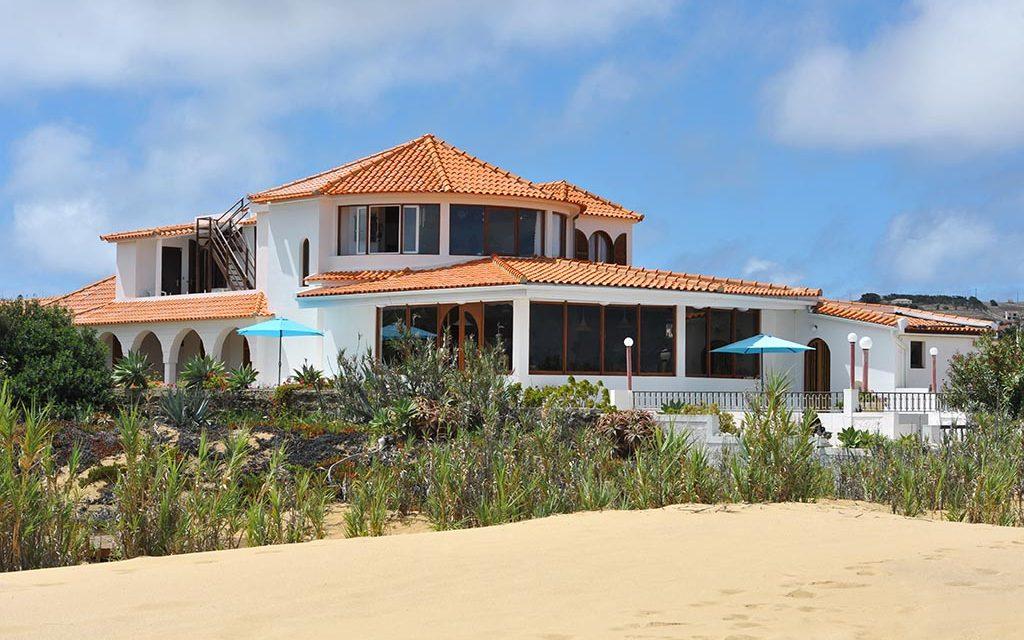 https://as-tauchreisen.de/wp-content/uploads/01-theresias-pension-gaestehaus-porto-santo-madeira-portugal-tauchreisen-1024x640.jpg