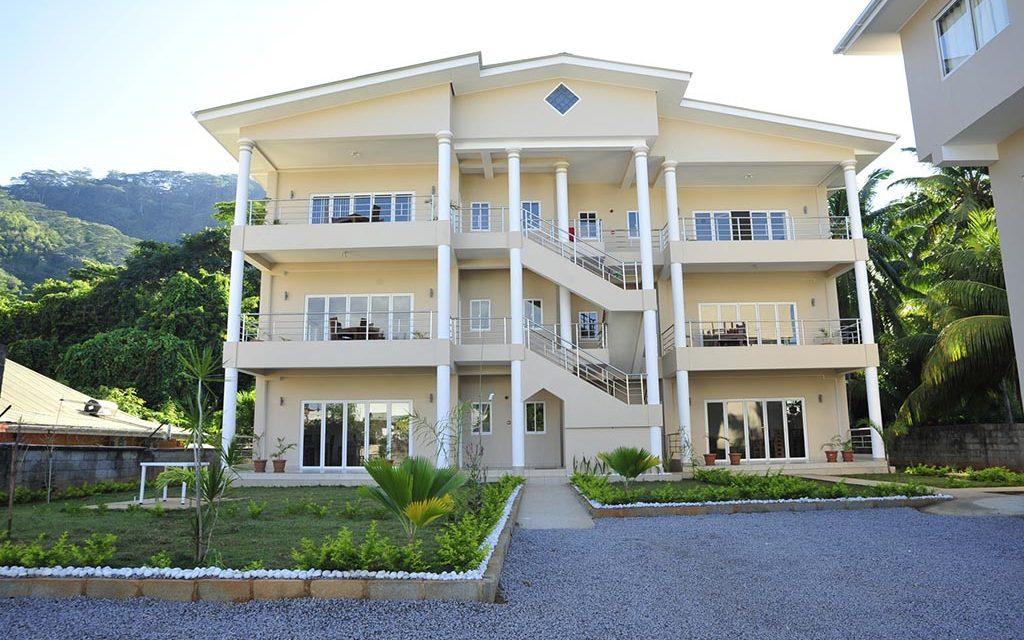 Tropical Hideaway Apartments