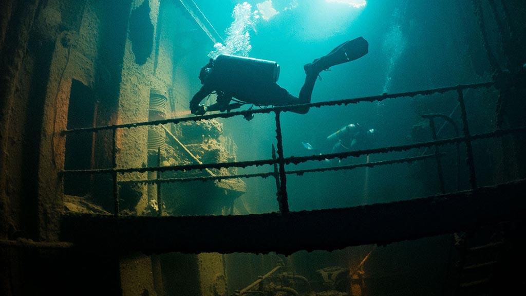 https://as-tauchreisen.de/wp-content/uploads/03-truk-lagoon-dive-center-chuuk.jpg