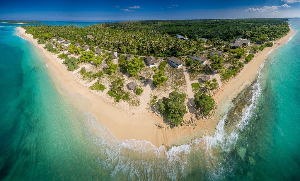 https://as-tauchreisen.de/wp-content/uploads/10-sandy-beach-resort-foa-island-tonga.jpg
