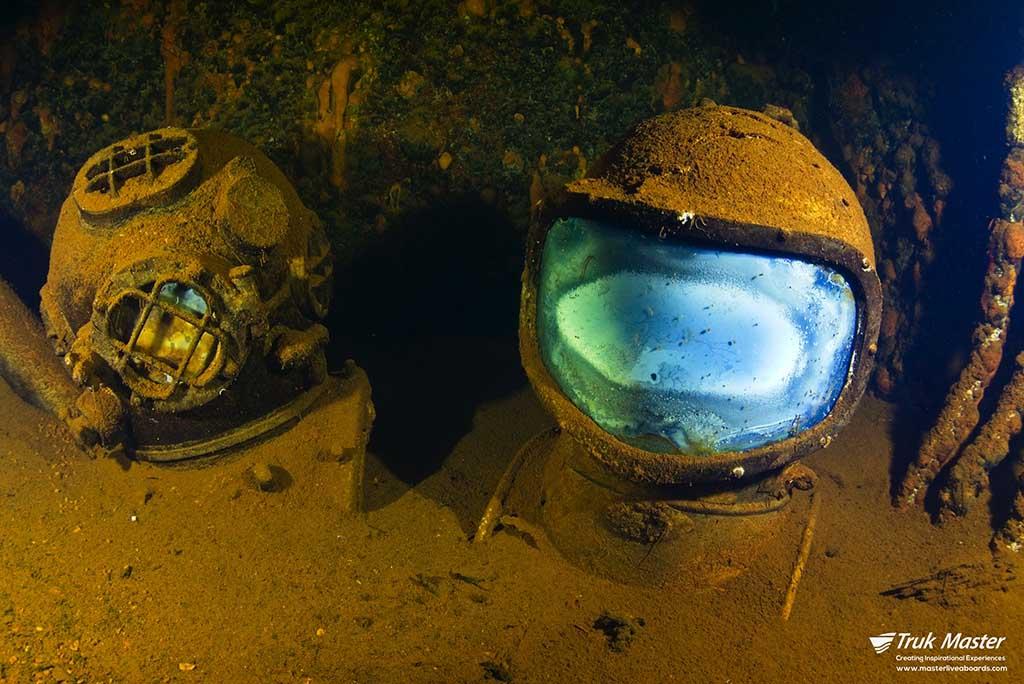 diving helmets saratoga Bikini Atoll